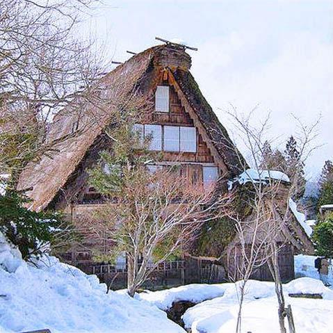飛騨高山の歴史あるグルメとカフェを巡る